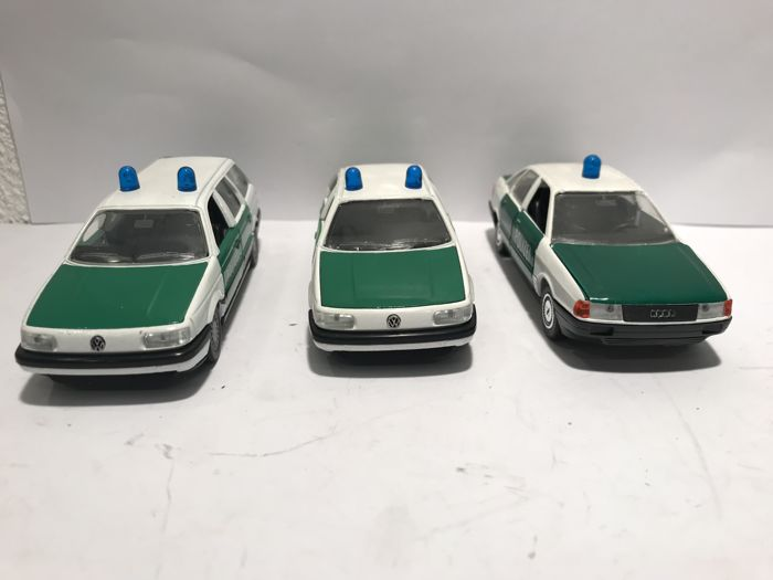 Schabak - 1:43 - Lot with 3 x VW Passat Polizei Auto's - Hecho en Alemania