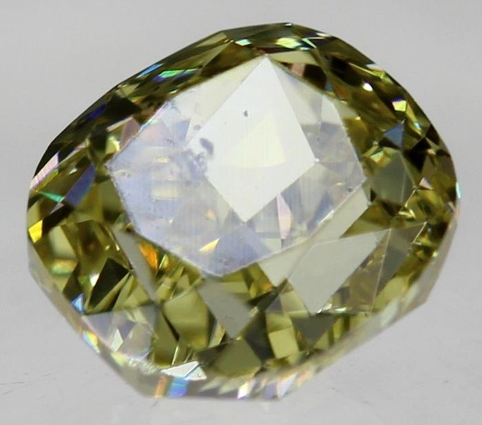 Diamond of 0.45 ct, cushion cut, SI1 TOP FANCY YELLOW - NO RESERVE PRICE - European seller