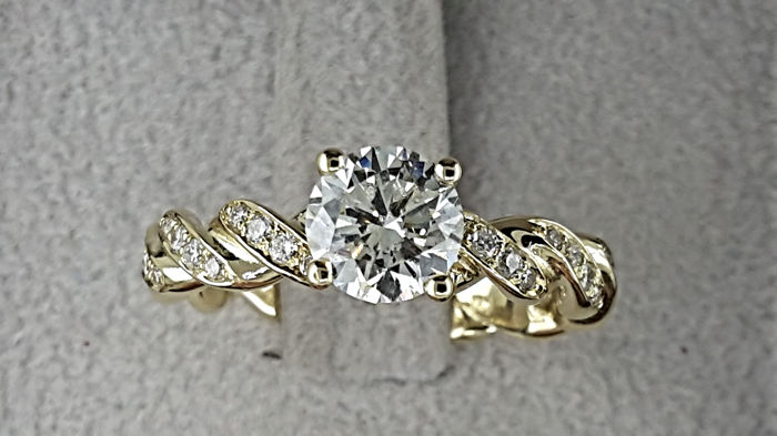 1.27 carat G/VS1  Diamond Engagement Ring with Accents in Solid Yellow Gold 14K Rope Band