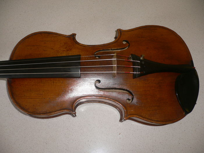 Intact old German 4/4 violin with full sound