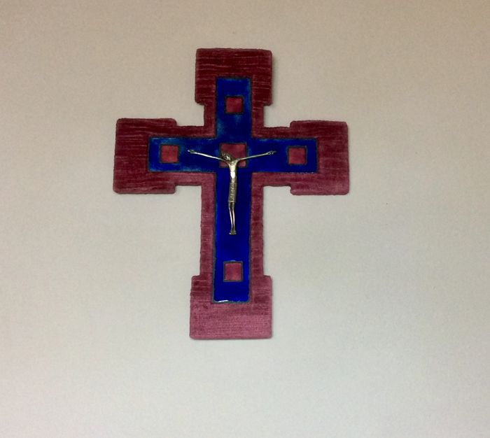 Silver crucifix, Murano glass and velvet