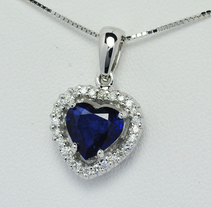18k gold Pendant with diamonds, sapphire and chain; chain length 45 cm