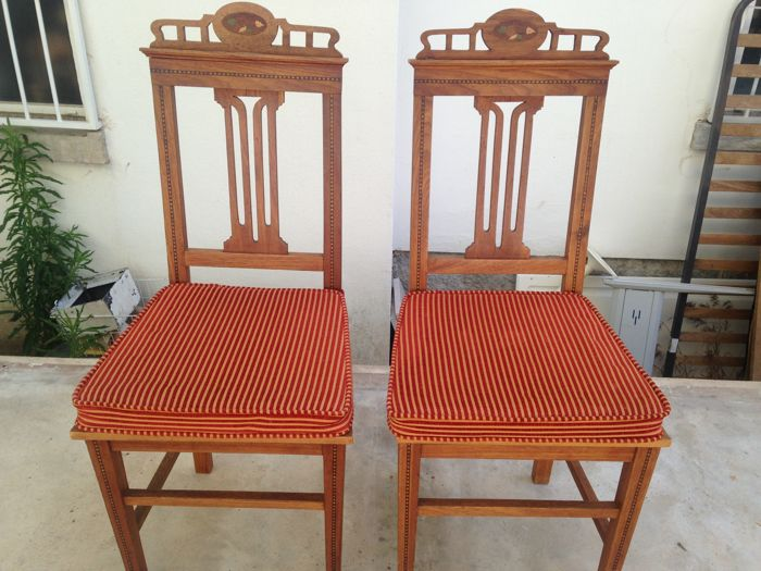 Ca 1920 - Pitch Pine Wood Pair of Chairs with Inlaid Work - Medallion on the Seat and Custom Made Cushions