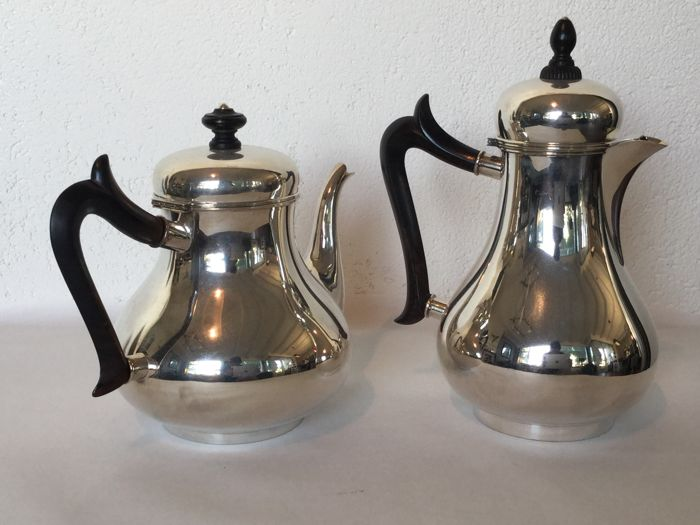 Silver coffee- and tea pot - v. Kemper Begeer and Vos - Zeist 1927 and 1947