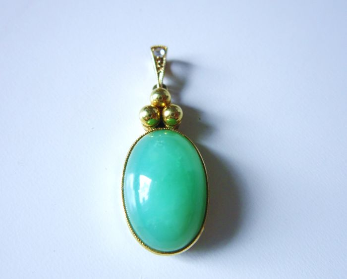 Antique pendant set with natural venom-green jade stone and with old cut diamond 585 gold!  ... Note...no reserve price...