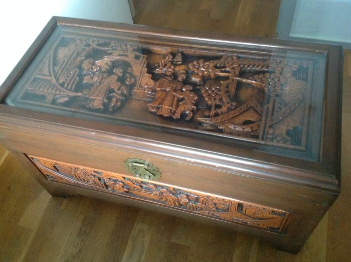 Chinese blanket chest with woodcarving - China - 2nd half 20th century
