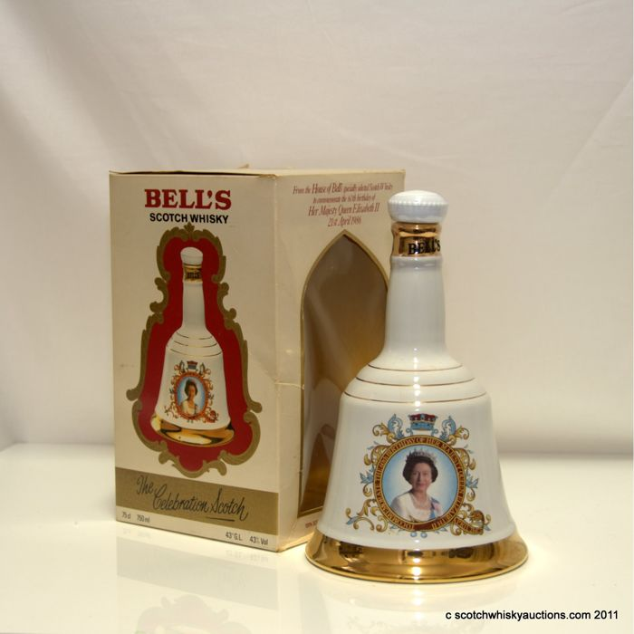 Bells Scotch Whisky Decanter Celebrating Queens 60th Birthday 75cl Full 20th century