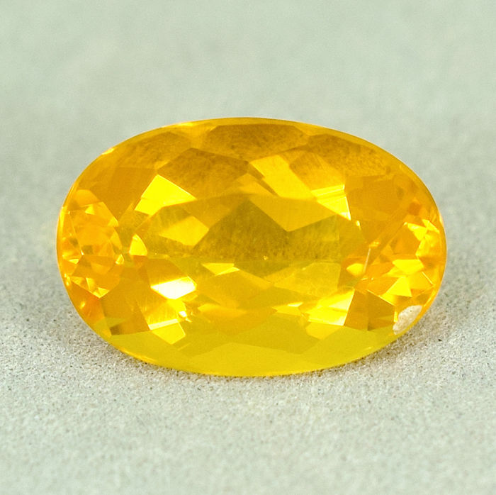 Fire Opal - 4.01 ct, No Reserve Price