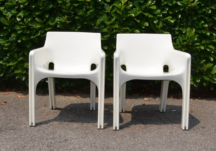 Vico Magistretti for Artemide - Pair of armchairs for use outside and inside - Model: Gaudì