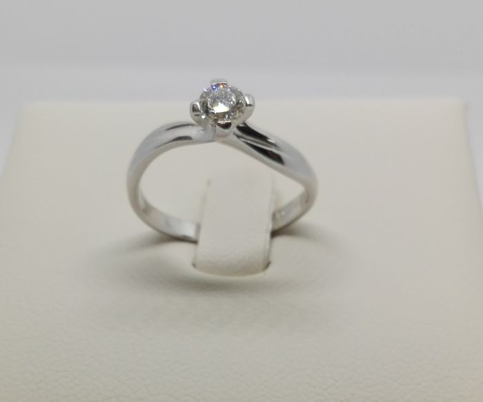 Solitaire ring in 18 kt gold with 0.34 ct diamond, G/VVS - size: 17 mm