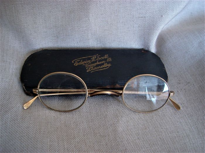 Antique 10 k gold glasses with original case 10kt solid gold spectacles Late 19th / early 20th century
