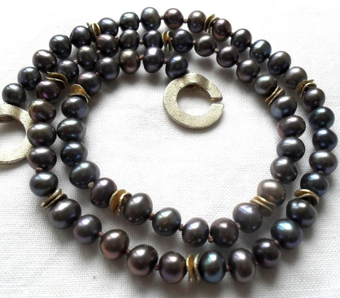 Fine multicoloured Tahitian pearl necklace of 6 mm with fine lively lustre and 925 decorative clasp ---no reserve---