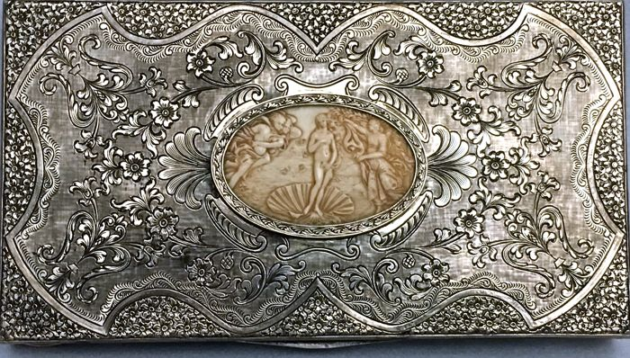 Trinket Box in Renaissance Revival style - Italy, 20th century