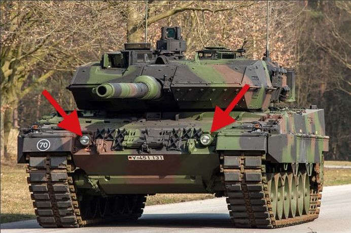 Tank Leopard II ...... 2 x Headlights + 3 x Dashbord meetinstument klokken