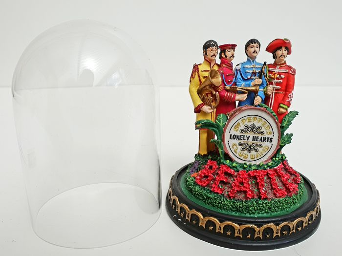 "The Beatles- ""Sgt Pepper's Lonely Hearts"" Music Box dome"
