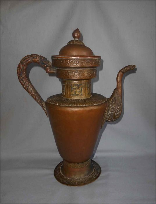 Copper and brass Tea Pot with Lid and Spout - Tibet - late 19th / early 20th century