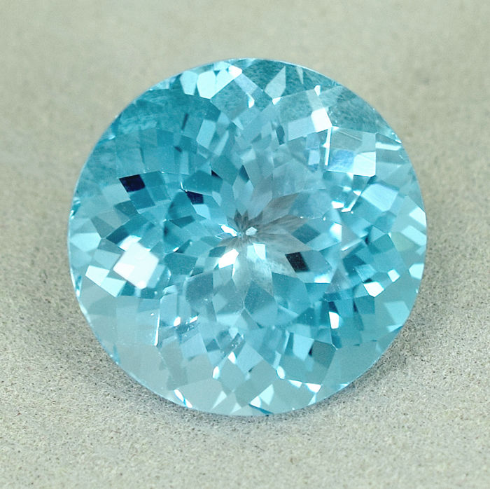 Swiss Blue Topaz - 14.82 ct