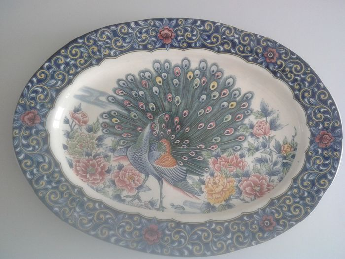Very large Chinese porcelain dish - China - Second half of the 20th century