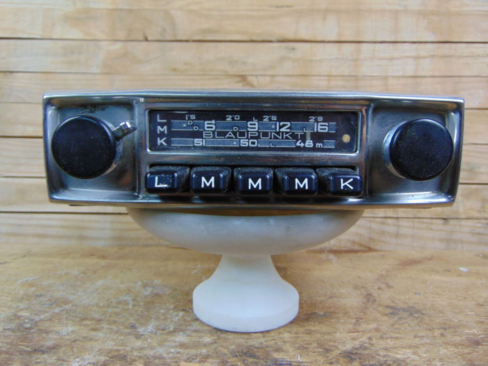 1 Radio - Blaupunkt classic car radio with FM -  - 1960-1960 (1 objetos)