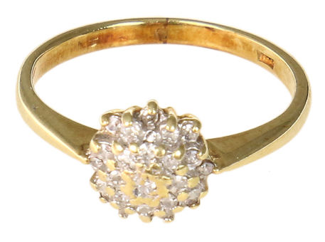 Gold rosette ring set with brilliant-cut diamonds in chaton setting