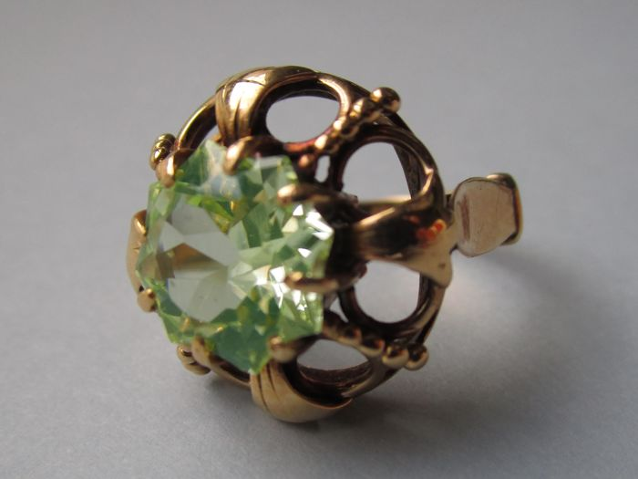 18 kt. Yellow gold - Ring Green stone