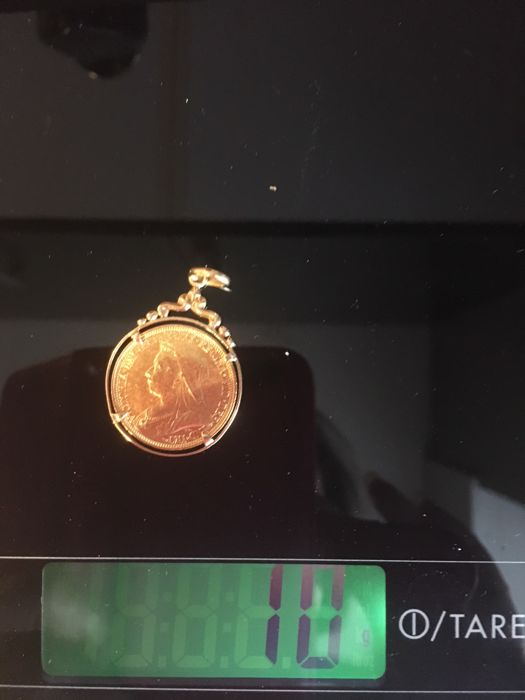 Gold pendant (Pound - Queen Victoria - 1893)