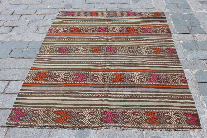 Turkish Kilim from Konya, 135 x 181 cm