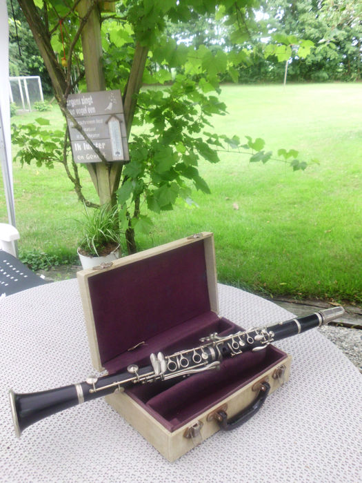 selmer console clarinet serial numbers