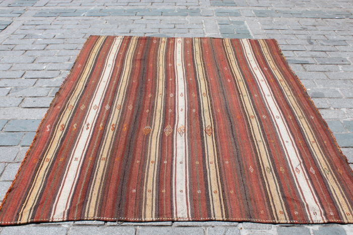 Turkish Nomadic Kilim from Mut,Turkey, 186 x 253 cm