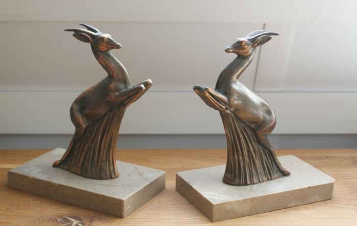 Two bronze bookends in the form of an Ibex on a marble footing - Art Deco period circa 1920 - France