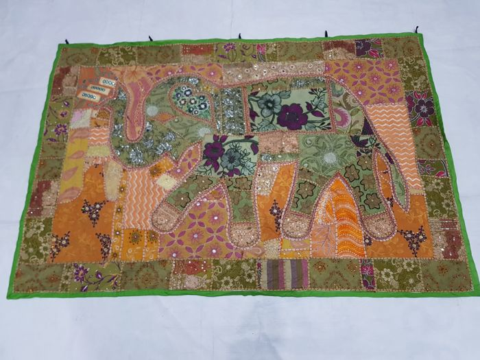Vintage tapestry Indian Handmade 100 cm x 148 cm