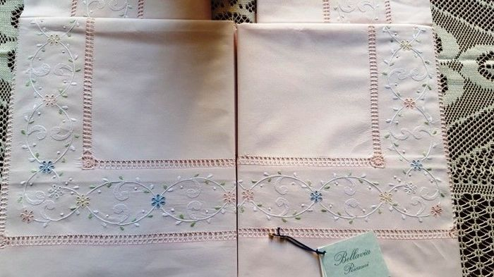 Fine Bellavia bed sheet in pure percale cotton with handmade satin stitch and peahole hemstitch embroidery