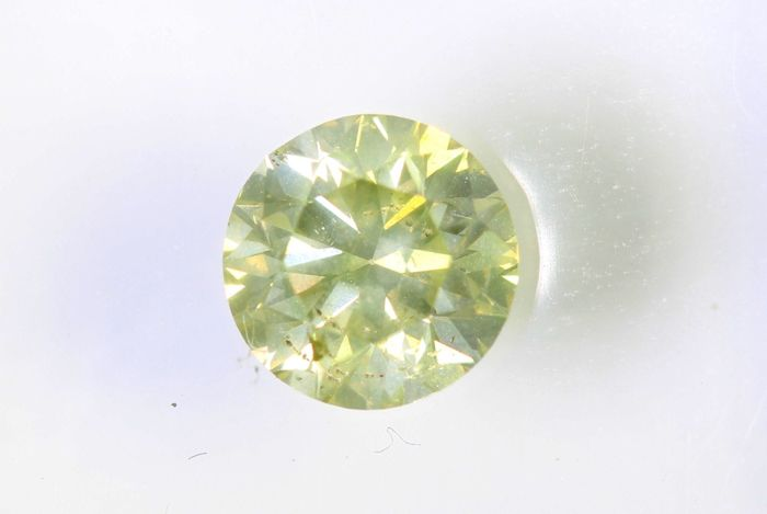 * NO RESERVE PRICE * - AIG Antwerp  Sealed Diamond - 0.63 ct - Fancy Light Yellow - SI2