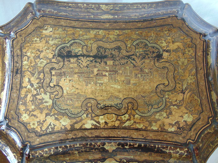 Fine Chinese Export Lacquer Sewing Box - c 1840 CHINA