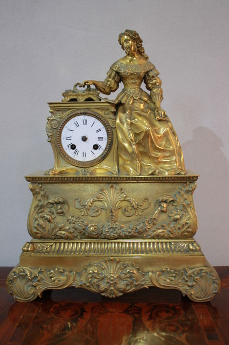 Mantel clock in gilt bronze - Anonymous - 1830/40s (Charles X period)