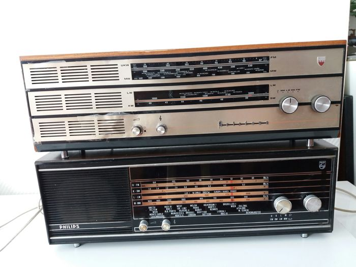 Vintage Philips and Aristona tubes radios, types 22 RB 382/002 and SA 4311 A/00