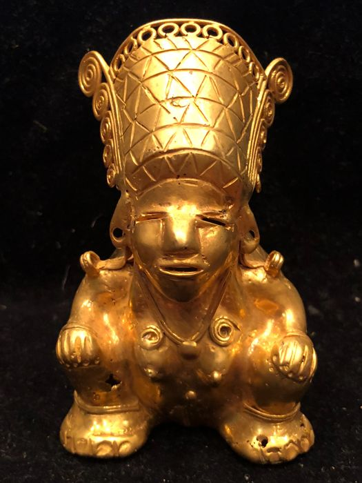 Beautiful Colombia tumbaga gold piece Tairona  Indian Tobacco Recollector
