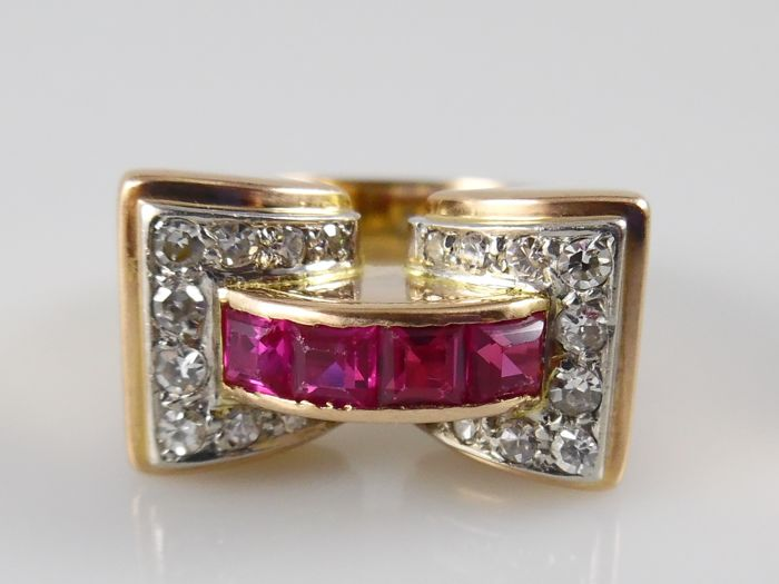18 kt rose gold tank ring with 0.44 ct diamonds and synthetic rubies - ring size 17.75 mm (56)