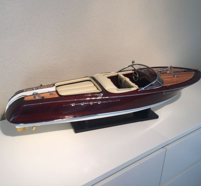 Riva Aquarama model 67cm