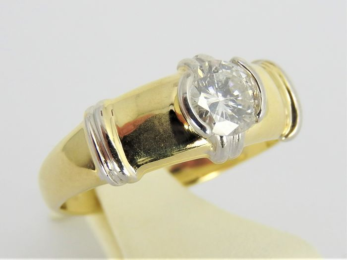 14 kt gold ring with approx. 0.67 ct of diamond - size 17.5 or 55 - 3.4 grams