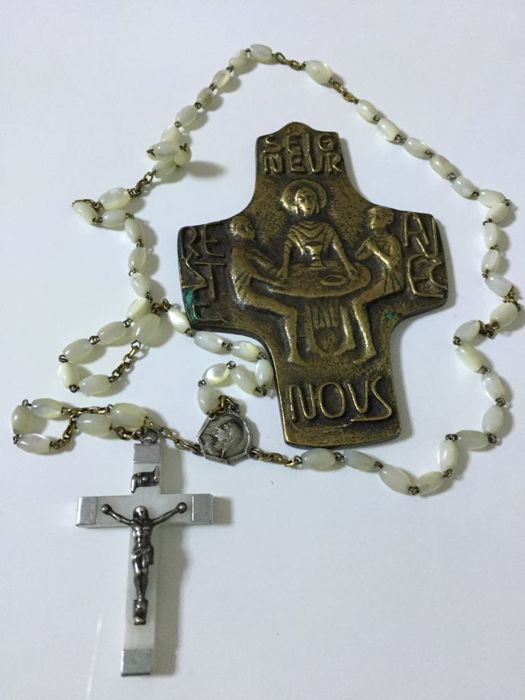 Old Rosary of river beads and an important bronze cross, entirely handcrafted, early 1900s, France