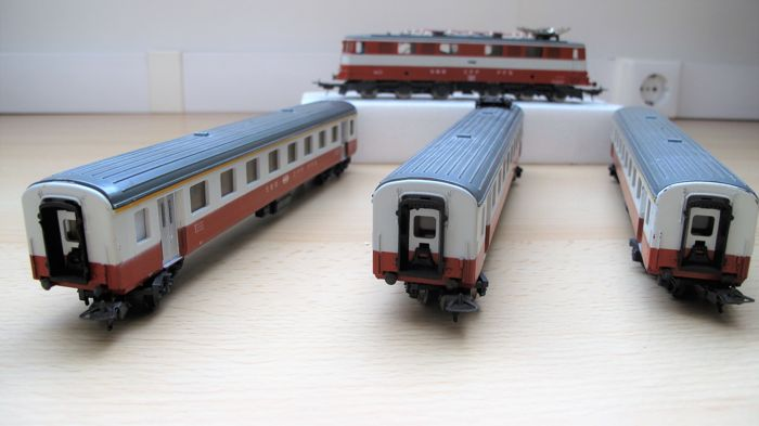Lima H0 - 8048/9316 - Electric locomotive - with people and dining cars - SBB-CFF