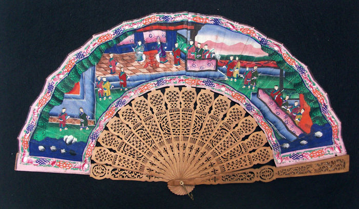 Cantonese 1000 Faces Fan Hand painted on paper and Sandalwood  - China - 1850/1899