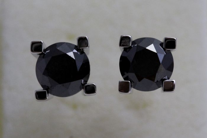 * NO RESERVE PRICE *  - 18 kt white gold ear studs with Black Diamonds of 2.30 ct in total