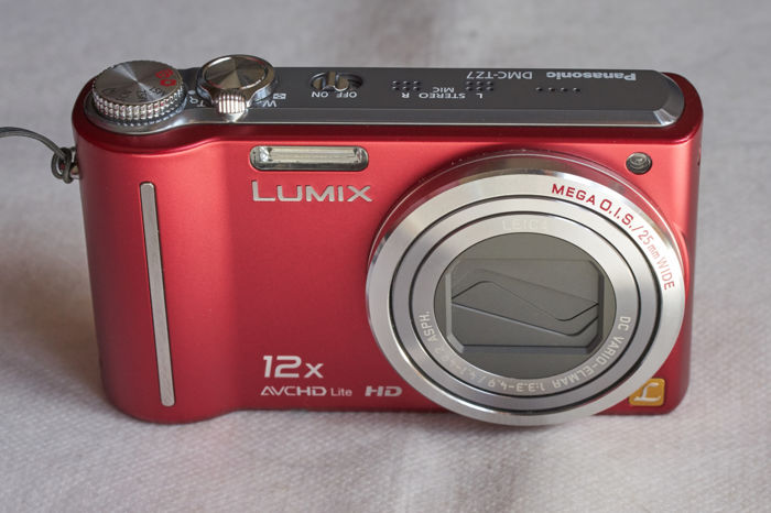 Panasonic Lumix DMC-TZ7 + Leica 12x optical zoom