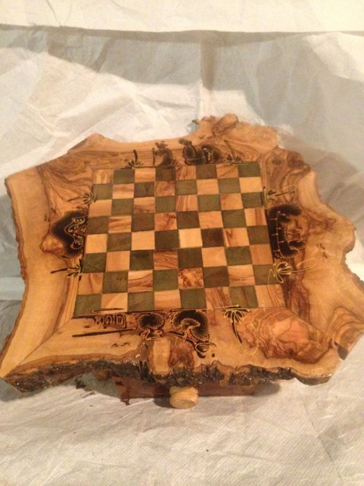 Olive wood chess board 27x27 cm, with drawers for chess pieces
