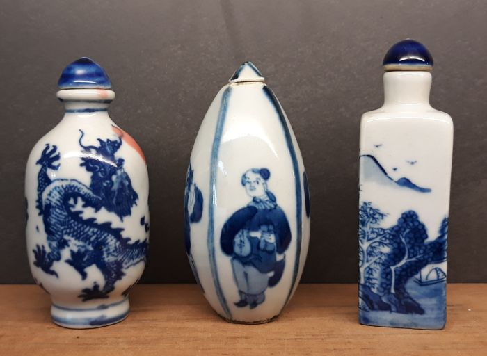 3 porcelain tobacco snuff bottles - China - late 20th century