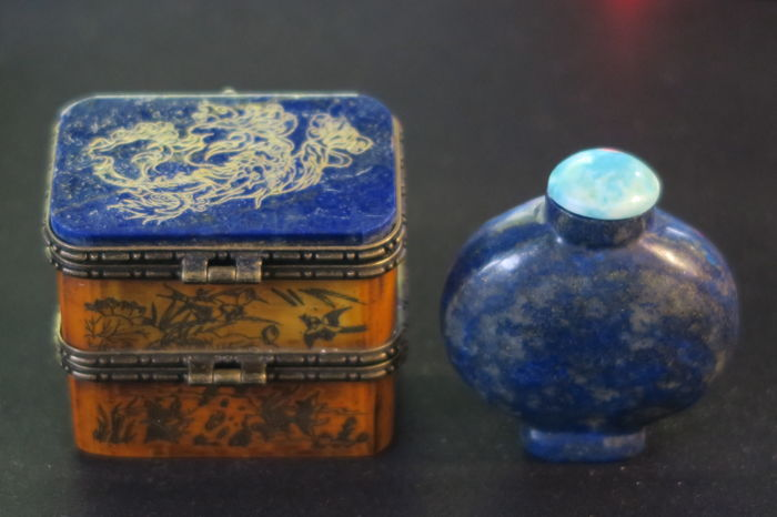 Snuff bottle and snuff box from  lapis lazuli and wood - China 20th or 21st century