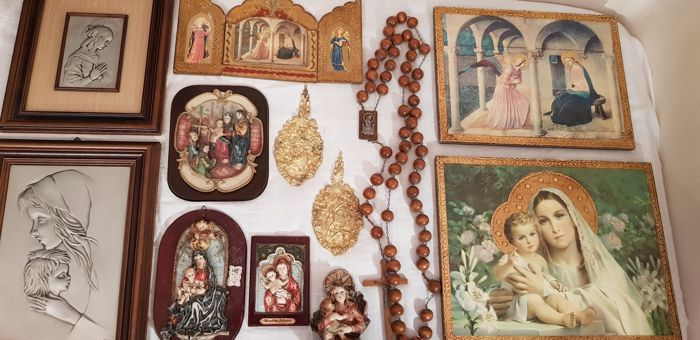 Interesting lot of various religious items: paintings of different sizes - Crucifix over 1 metre long - bronze religious plates - various sculptures