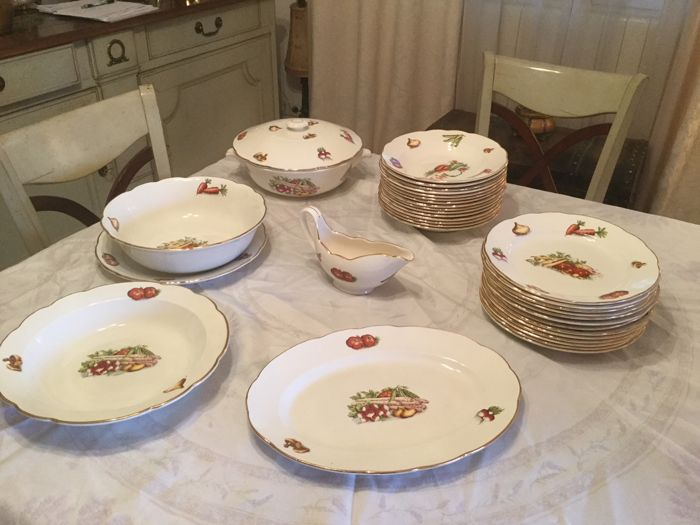 French porcelain - table service with vegetable decoration - 34 pieces